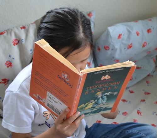 Klara læser om Kwiatkowski