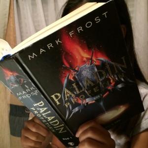 Jeg læser Paladin-profetien af Mark Frost