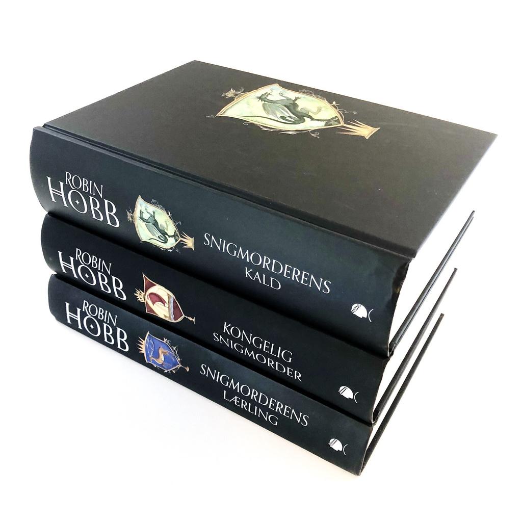 Farseer-trilogien af Robin Hobb - uden smudscover