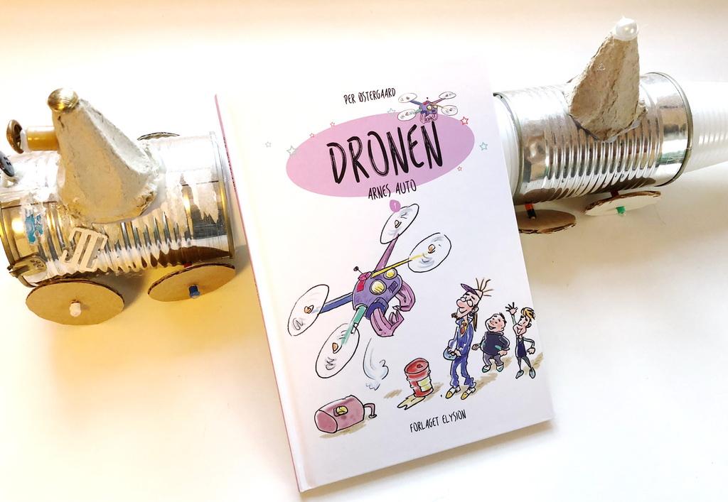 Dronen af Per Østergaard