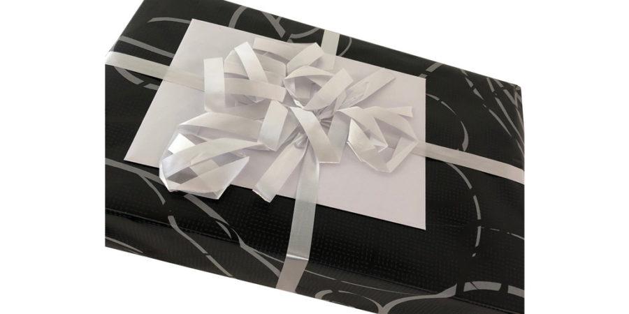 """Gave fra """"Send en gave"""" ved Bog & idé"""