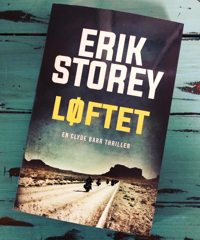 Løftet af Erik Storey