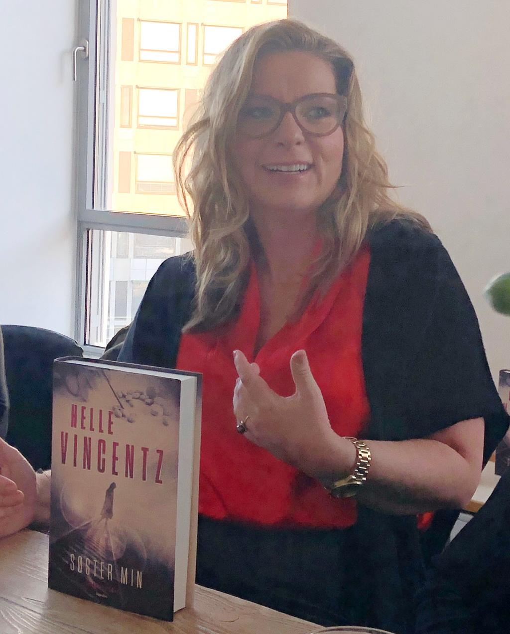 Helle Vincentz fortæller om Søster min - og om sit forfatterskab.