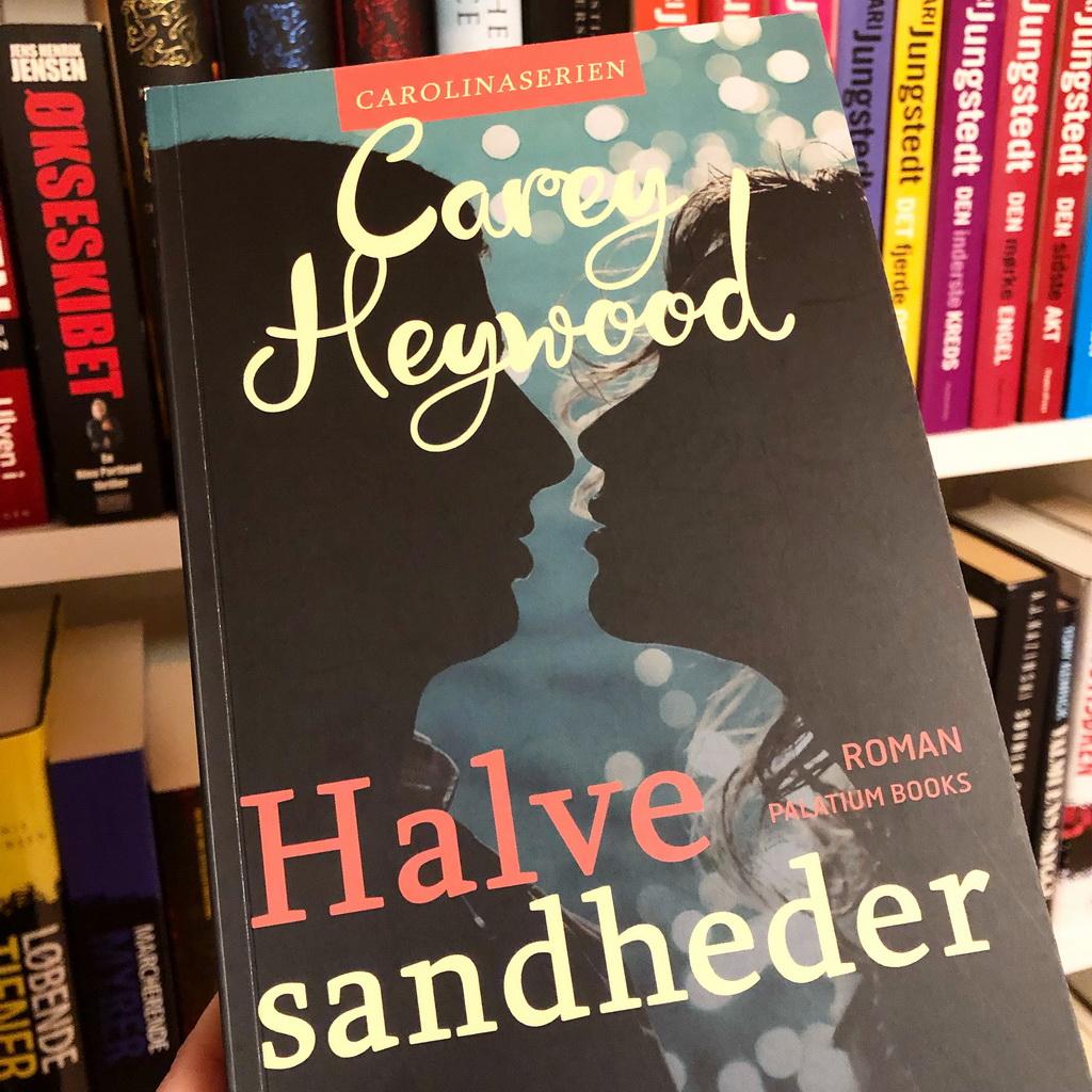 Halve sandheder af Carey Heywood