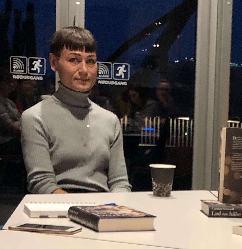 Carolina Setterwall forfatter til Lad os håbe på det bedste. Her til bloggerevent.