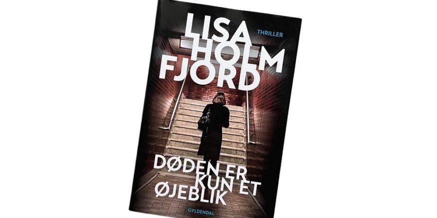 Billede af: Døden er kun et øjeblik af Lisa Holmfjord